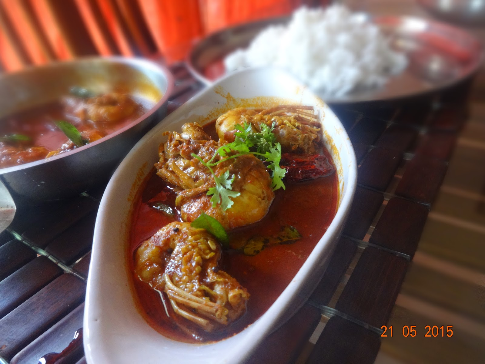 how to cook spicy prawn curry