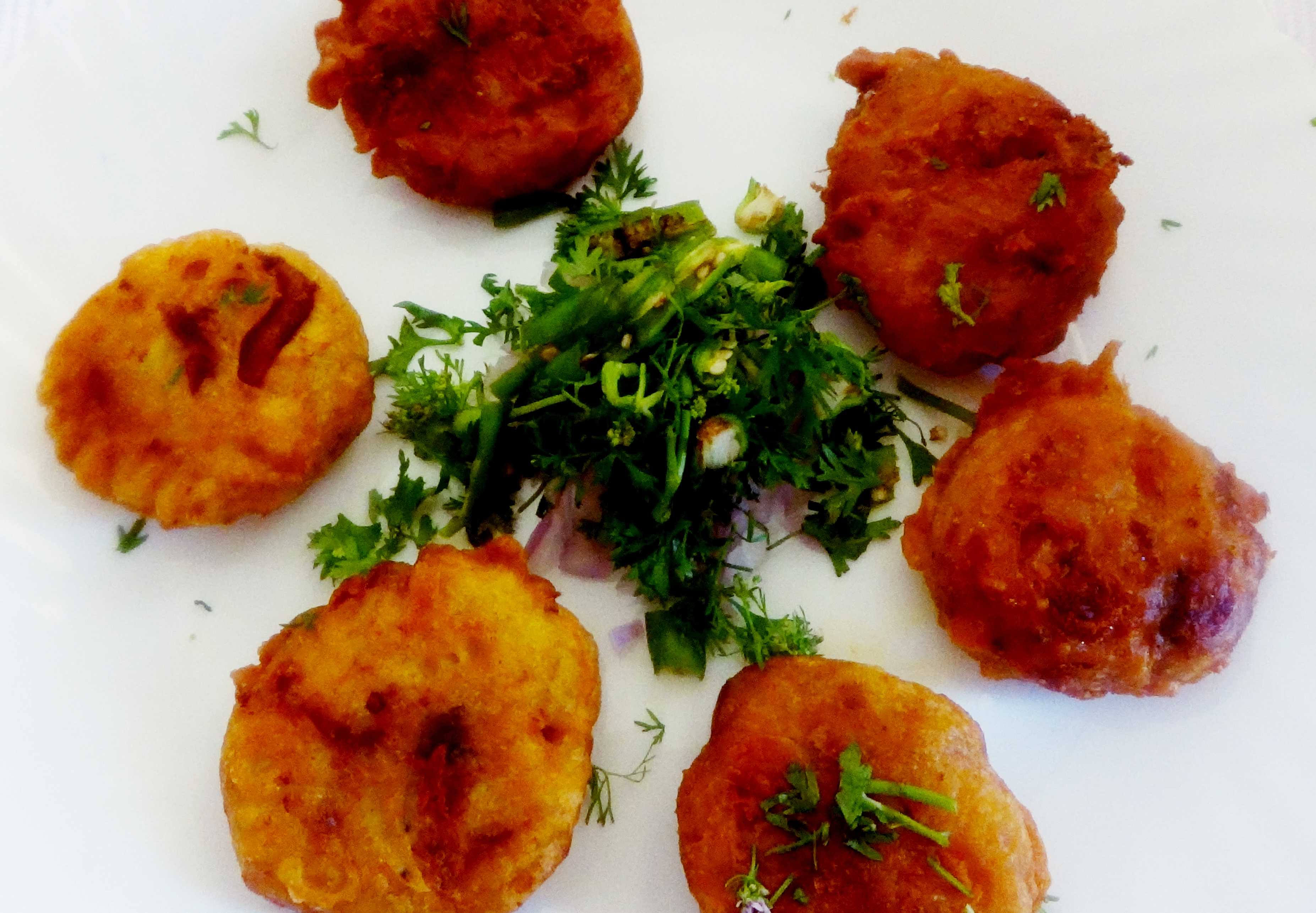 Alu amadar chop (Potato fritters with mango ginger)