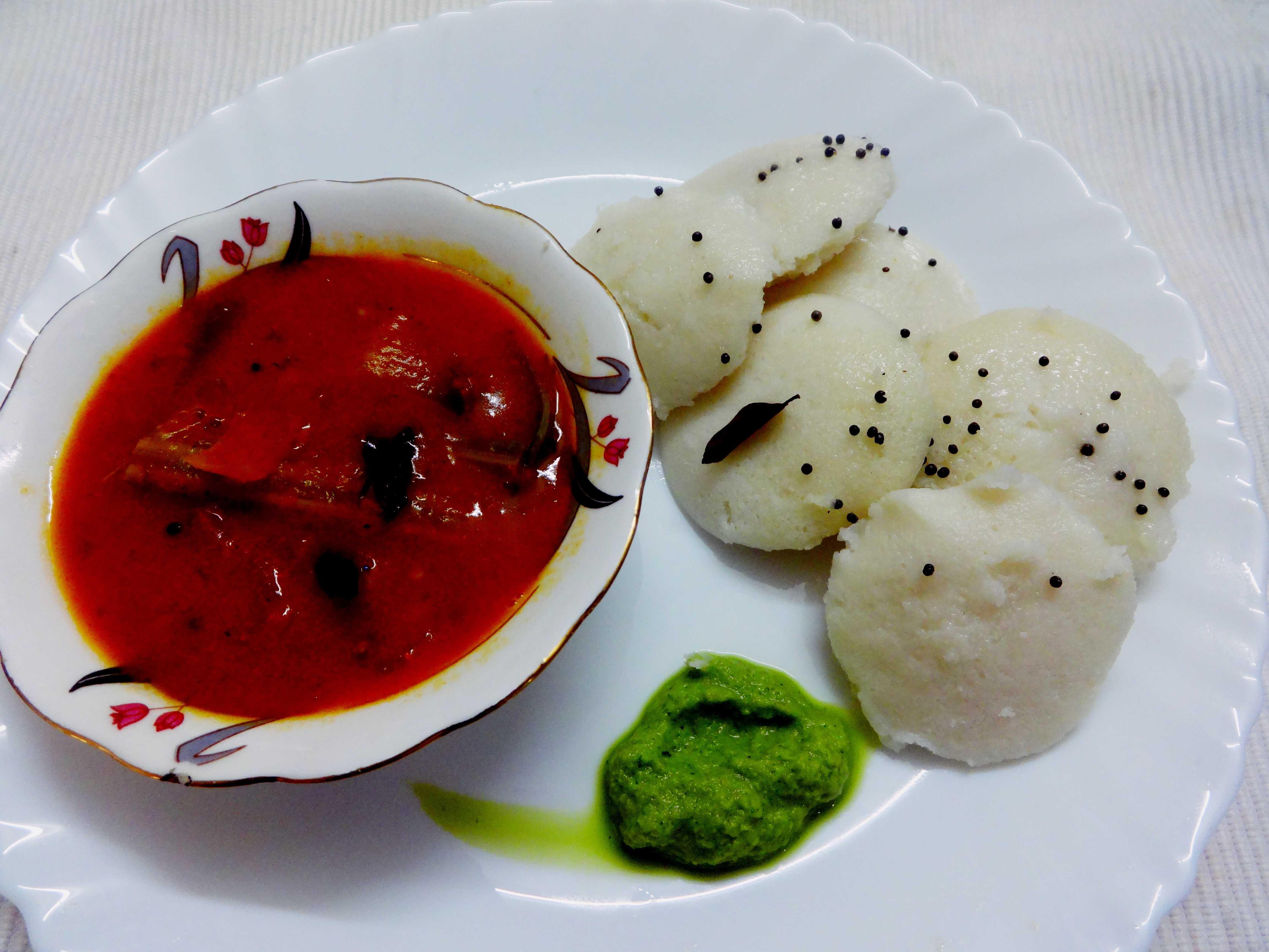 Idly sambar chutney