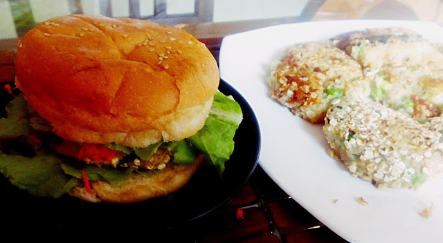 Alu tikki Burger(Potato Oats pattice burger )