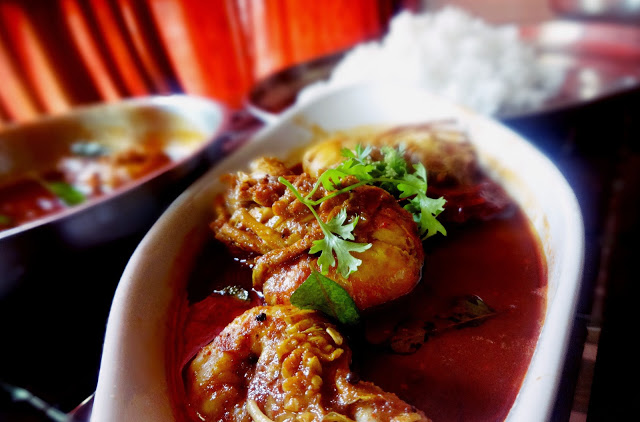 How to make Indian prawn curry soup