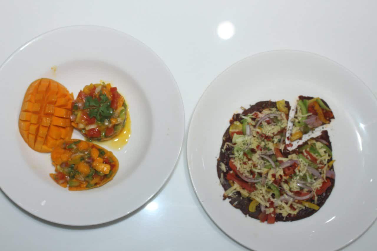 Ragi pizza with ragu sauce topped with mango