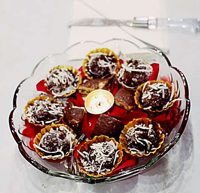 Chocolate canapes