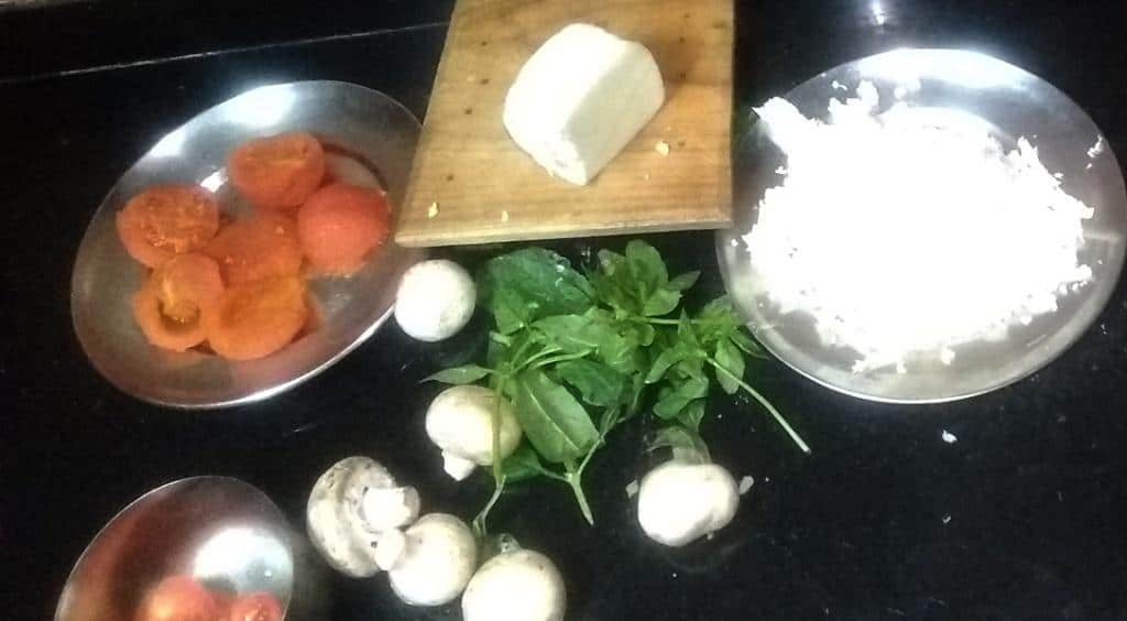 Ingredients pizza margherita